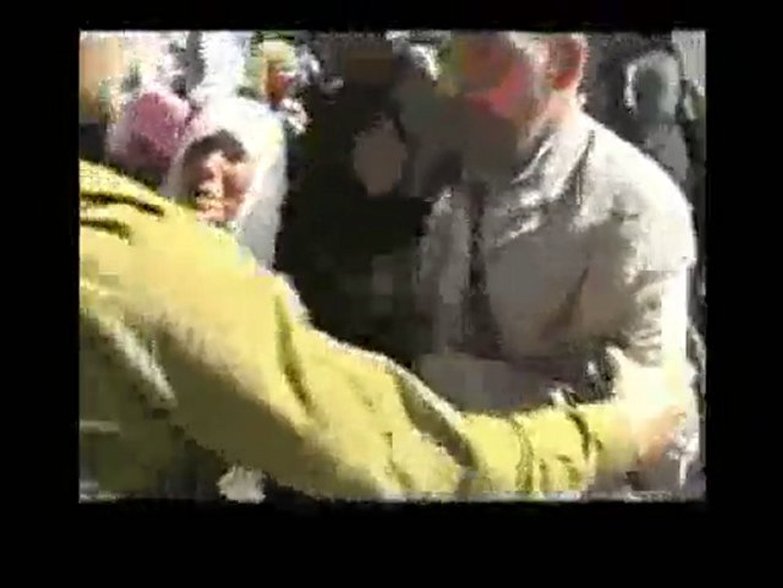 Qalandiya Israeli military checkpoint - Video Israel Hates