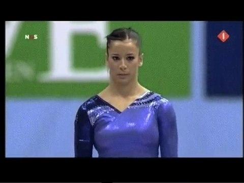 Alicia Sacramone: EF: Vault 2 - 2010 World Championships