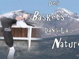 Des Baskets dans la Nature