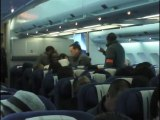 Un passager d'un vol Air France filme une expulsion 1/3
