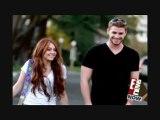 Miley Cyrus & Liam Hemsworth TLS Premiere - E! 26.03.2010