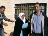 Colonisation Sioniste vole de la maison d'une vieille femme
