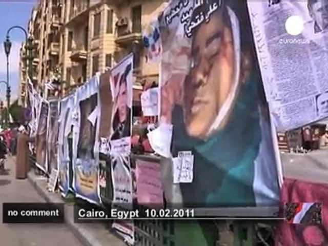 Egypte : hommage aux martyrs anti-Moubarak - no comment