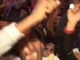 Mısır halkı, Mübarek'in istifasını kutluyor