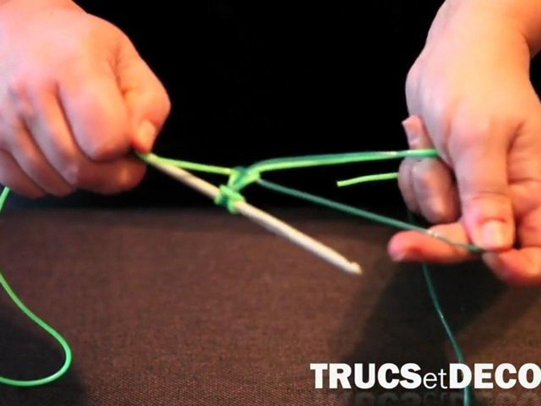 aperçu de en ligne commercialisable Fabrication d'un scoubidou à noeud plat par TrucsetDeco.com