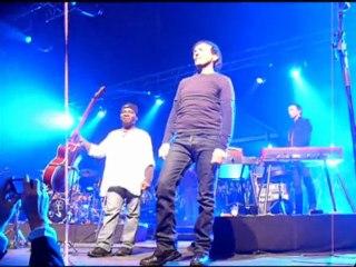 I Muvrini et 500 choristes en concert à Poitiers