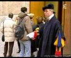 Strip Tease Cathos -- 1 Le pape