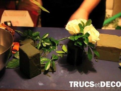 Décoration florale de table : Technique du piquage de fleurs - TrucsetDeco.com