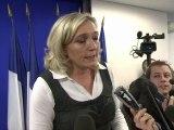 """Immigration: Le Pen accuse Sarkozy de """"cacher les chiffres"""""""