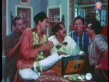 Sunil Dutt Tries To Sing - Sunil Dutt, Kishore Kumar & Saira Banu - Padosan