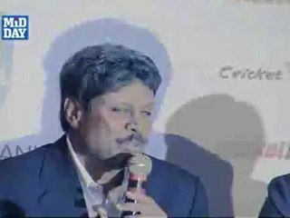 Kapil Dev backs MS Dhoni in UDRS controversy