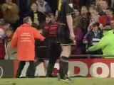 Clash Foot - Cantona vs supporter Crystal Palace