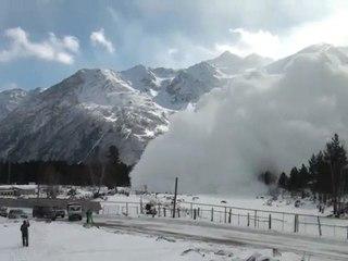 Une grosse avalanche au canon