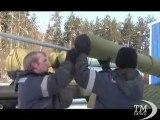 In Russia trionfa il carro armato gonfiabile, tra guerra e gioco