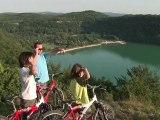Vacances d'été dans le Jura, baignade et détente