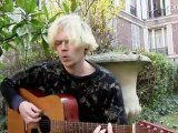 Connan Mockasin en session acoustique (1/2)