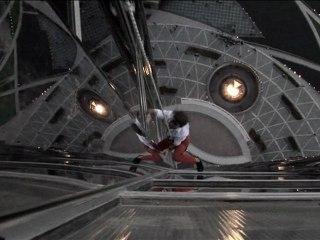 Exclusif - Alain ROBERT escalade Burj Khalifa