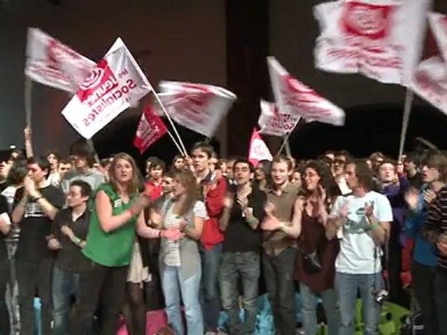 """Ambiance au forum """"2012 Génération changement"""" des Jeunes Socialistes"""