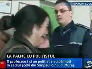 policier gifler par une prof