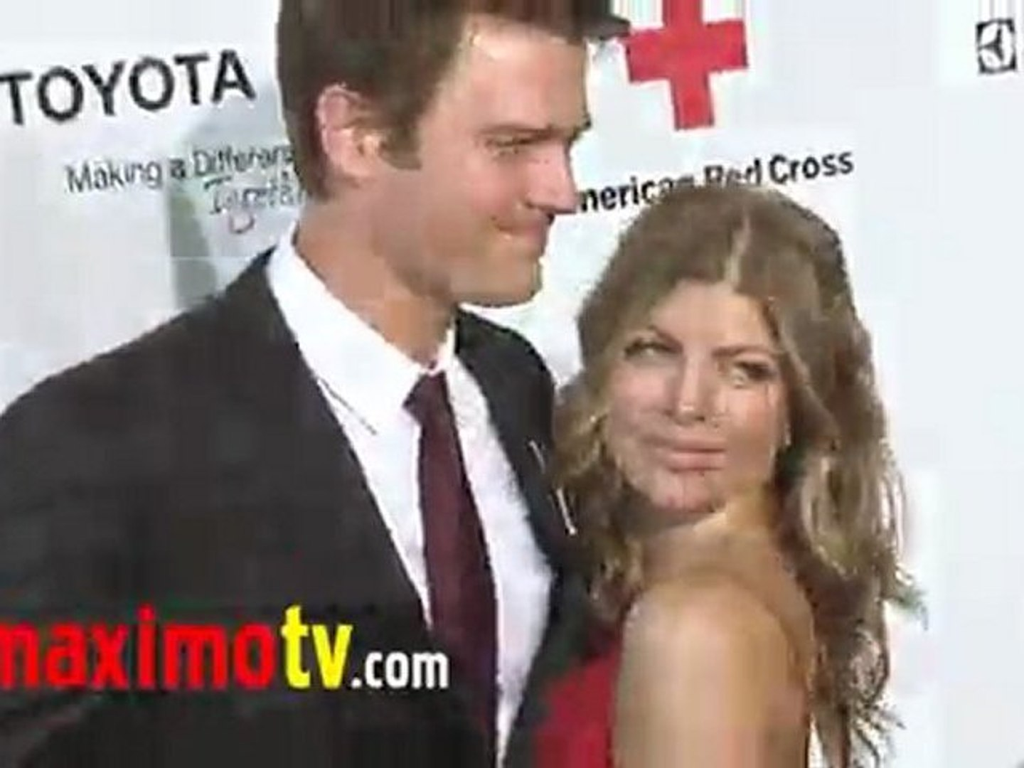 FERGIE and JOSH DUHAMEL at Red Cross