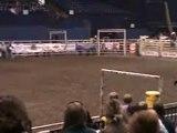 Course à cheval autour des barils