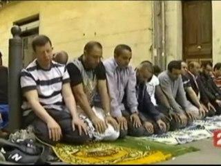 Prières islamistes dans les rues & dhimmitude des médias