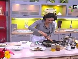 Recette tourte champignons épinards mozzarella par choumicha 2011 - Recette Cuisine Facile Tourte au poulet et aux champignons de Paris crémés et hrissa, harissa, harisa.