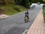 20110319 Nico essaye le vélo de Romain Merignac