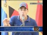 """Capriles: """"en vez de comprar tanques de guerra, podrían cons"""