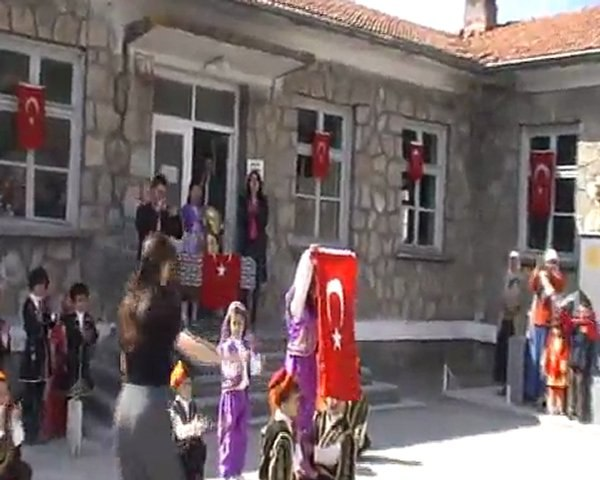 Yeşilköy 23 Nisan 2011 Bölüm 2 B