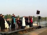 """Proclamation """"Christ est ressuscité"""" en plusieurs langues - Rassemblement œcuménique Pâques 2011"""