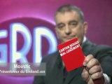 Jules-Edouard Moustic met un Carton Rouge au mal-logement avec la Fondation Abbé Pierre