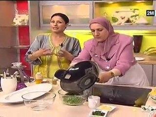 Poulet Et Salade De Fruits