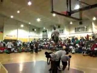 TFB  Dunks   Werm and 6'0 Air Dogg (TFB Debut) Crazy Slam Dunk Contest in Freeport!
