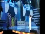 Eurovision: une concurrente de moins pour Amaury Vassili