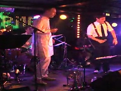 live concert of Lawrence Edwin in Paris - groovy, funky, soul....