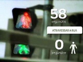 Quanto tempo demora para abrir o sinal de pedestre?