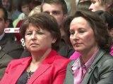 Les socialistes adoptent leur projet pour 2012 dans la liesse