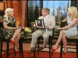 Interview dans l'émission Regis & Kelly (2011)