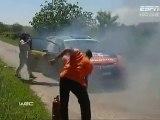 Italie 2011 - La Fiesta WRC d'Henning Solberg prend feu [ES3]
