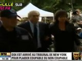 Dominique Strauss-Kahn arrive au tribunal