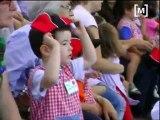 Els nins gaudeixen de Marineland