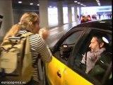 Los piquetes impiden el acceso de taxis a El Prat