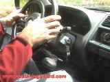 nissan terrano 2 equipé  pour etre conduit par des personnes à mobilité réduite
