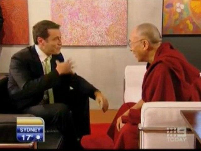 Gaffe in tv, Dalai Lama non ride per la barzelletta