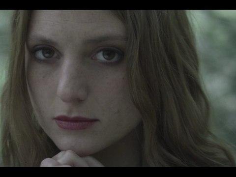 Jalouse - L (Raphaëlle Lannadère) [Clip Officiel]