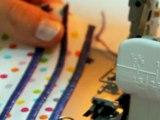 Cours de couture - Apprendre à coudre des plis à la surjeteuse - Tuto de couture