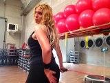 Monya fitness lavoro sulla schiena e sui glutei con la Flexi Bar Butterfly e il trampolino elastico