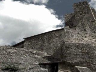 Eglise rupestre de Vals : Routes du Catharisme et du Moyen âge