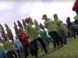 Flashmob à la fête du centre de loisirs des plus de 6 ans